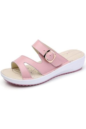Newchic Women Casual Leather Slip On Flat Platform Sandals