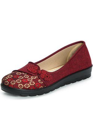 Newchic Flower Retro Chinese Knot Casual Soft Flat Loafers