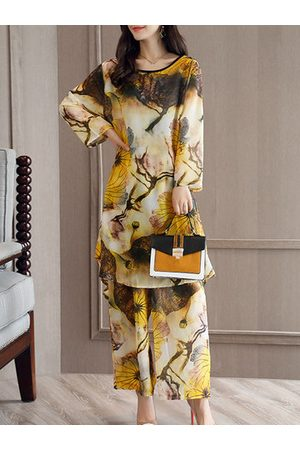 Newchic Loose Print Long Sleeve O-Neck Two-Piece Suit