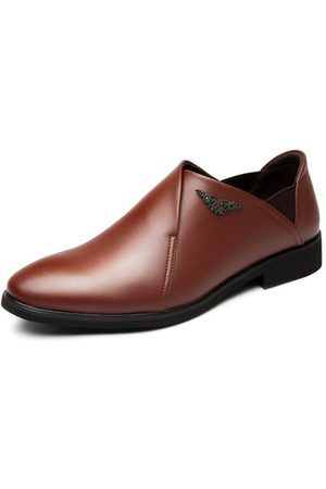 Newchic Men Classic Pointed Toe Portable Slip On Breathable Dress Shoes
