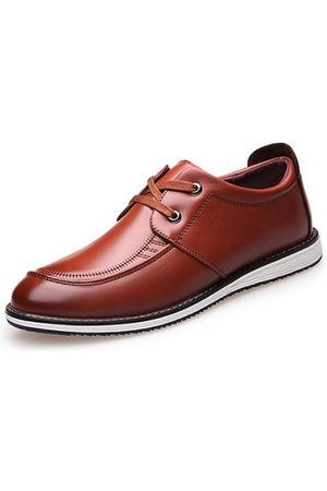 Newchic Men British Style Pointed Toe Classic Lace Up Business Casua