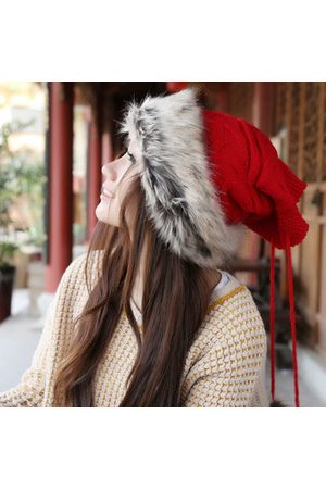 Newchic Women Beanies - Women's Beanie Hat And Scarf Use