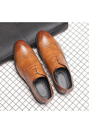 Newchic Men Large Size Brogue Business Shoes