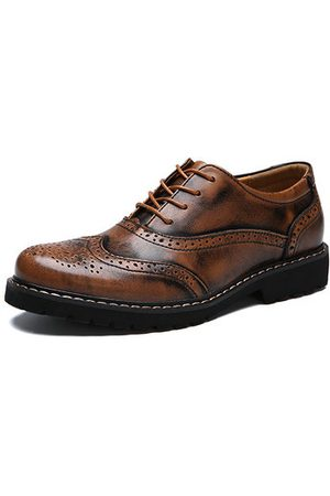 Newchic Men Brogue Carved Vintage Lace Up Oxfords