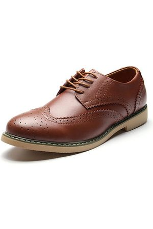Newchic Men's Hollow Out Brogue Pointed Toe Vintage Classic Casual Oxfords Shoes