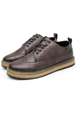 Newchic Men Brogue Carved Lace Up Casual Oxfords