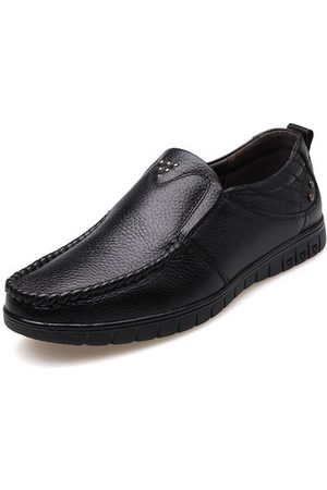 Newchic Men Soft Slip On Business Leather Shoes
