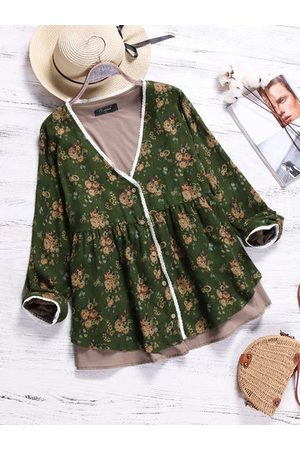Newchic O-NEWE Floral Printed Fake Two-Piece Vintage Shirt
