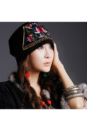 Newchic Women Ethnic Embroidery Flowers Beanie Hat