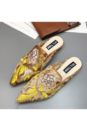 Newchic Pointed Toe Fashion 3D Embroidered Flat Loafers For Women