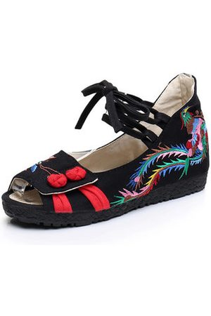 Newchic Embroidered Soft Sole Cloth Sandals