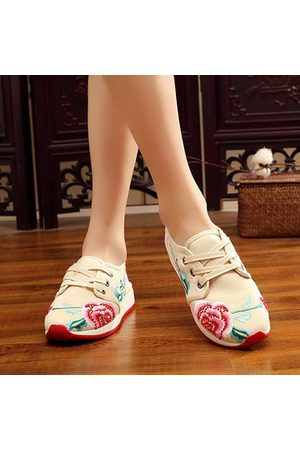 Newchic Embroidered Sneaker Travel Sport Flower Casual Shoes