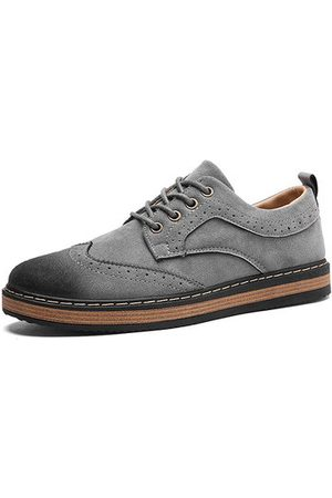 Newchic Men's Vintage Carved Metal Buckle Lace Up Casual Oxfords