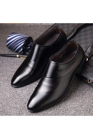 Newchic Men Microfiber Leather Slip On Business Casual Shoes