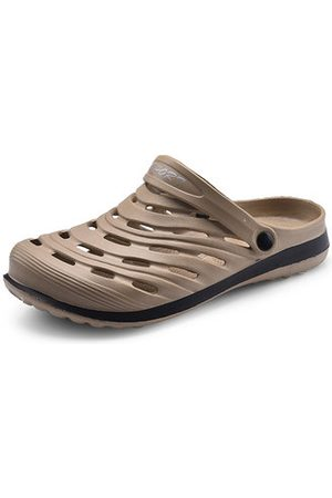 Newchic Men Breathable Hollow Out Two Way Wearing Casual Sandals
