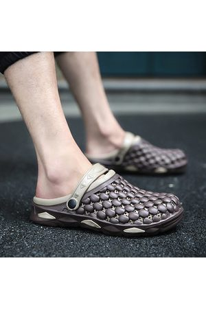 Newchic Men Breathable Hollow Out Slip Resistant Casual Sandals