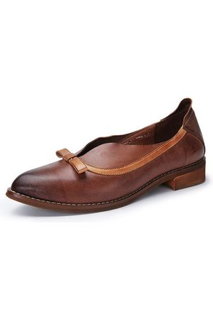 Newchic SOCOFY Retro Flat Leather Shoes