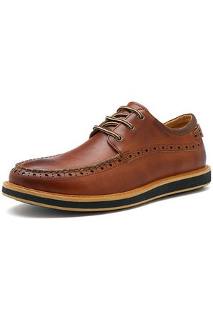Newchic Men Cow Leather British Style Carved Pattern Casual Shoes