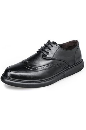 Newchic Men Carved Pattern Lace Up Soft Sole Casual Shoes