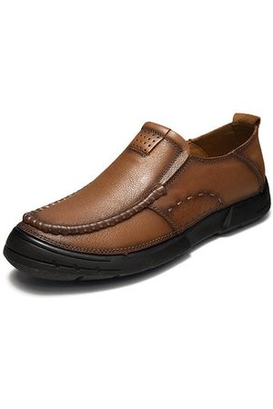 Newchic Men Cow Leather Anti-collision Toe Casual Shoes