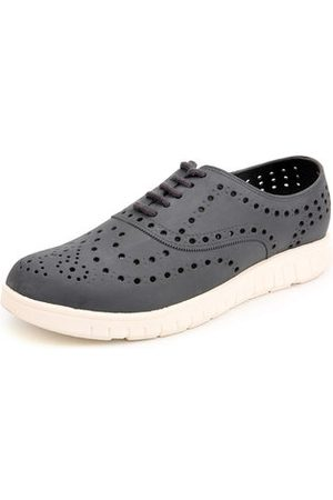 Newchic Men Breathable Slip Resistant Lace Up Beach Casual Shoes