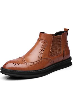 Newchic Men Brogue Carved Chelsea Boots