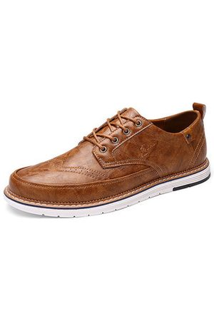 Newchic Men's Brogue Carved Lace Up Casual Oxfords