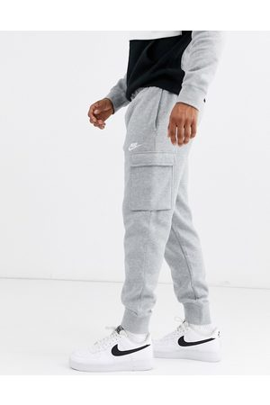 Nike Club cuffed cargo joggers in