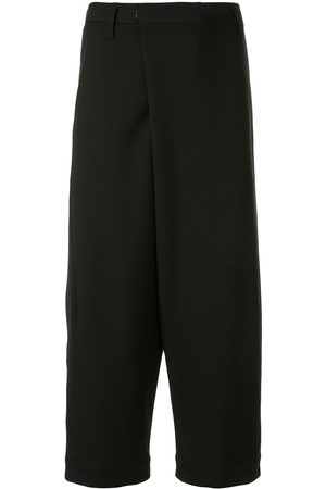 JULIUS Cropped tailored trousers