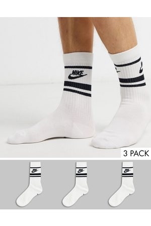 Nike Essential stripe 3 pack socks in with black logo