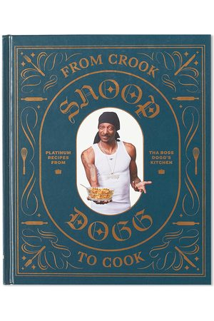 Publications From Crook to Cook: Platinum Recipes from Tha Boss Dogg's Kitchen