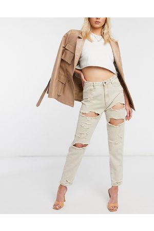 Missguided Women Boyfriend - Extreme rip mom jeans in stone
