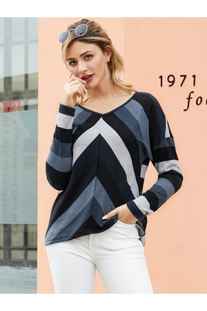YOINS Black Striped V-neck Long Sleeves Knit Tee