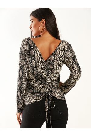 YOINS Backless Design Snake Round Neck Long Sleeves Tee