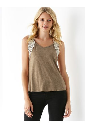 YOINS Crochet Lace Embellished V Neck Sleeveless Top
