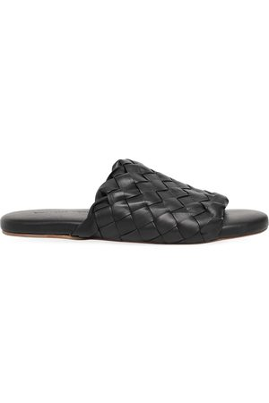 Bottega Veneta Men Flip Flops - Intrecciato Leather Slide Sandals