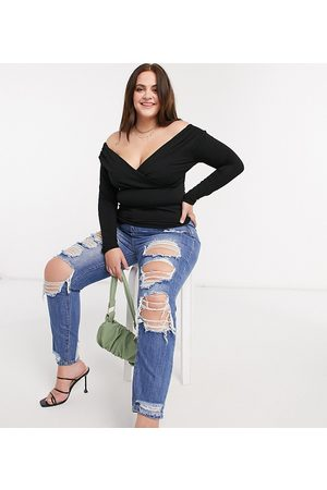 Missguided Distressed riot mom jean in