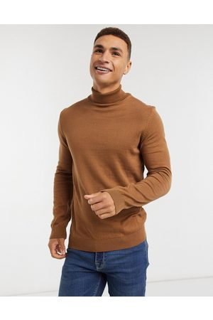 New Look Men Jumpers - Roll neck knitted jumper in camel