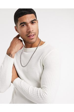 New Look Men Jumpers - Muscle fit crew neck knitted jumper in off white