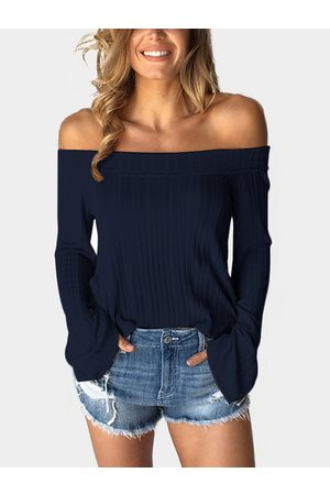 YOINS Off The Shoulder Bell Sleeves T-shirt