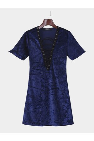 YOINS Sexy Plunging Deep V-neck Lace-up Front Dress