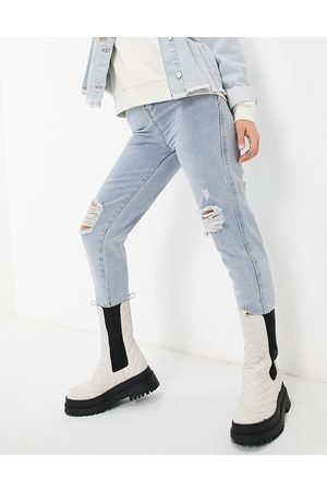Saint Genies Busted jean mom in light wash