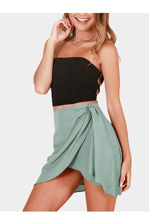 YOINS Crossed Front Slit Design Plain Mini Skirts