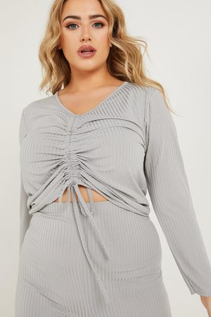 Quiz Curve Ruched Front Top