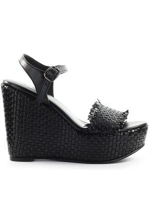 Strategia BRAIDED WEDGE SANDAL