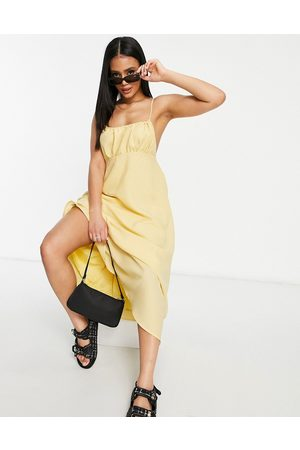 Missguided Strappy midi dress with gathered bust in