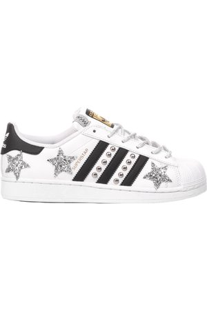 adidas WOMEN'S MIM1588 LEATHER SNEAKERS