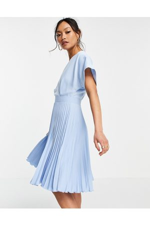 Closet Women Evenings Dresses - Wrap front pleated skater dress in pastel