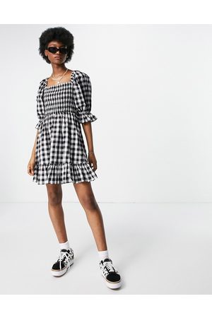 New Look Tie back shirred smock dress in gingham