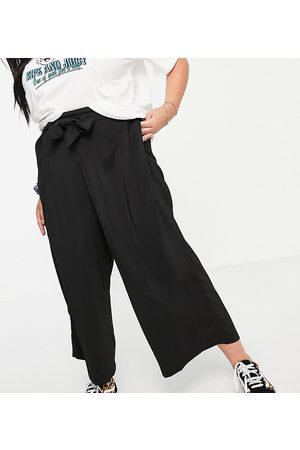 New Look New Look Curve cropped trousers in